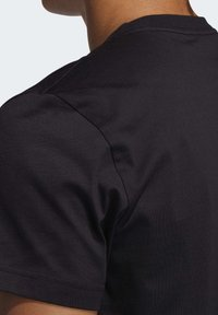 adidas Performance - HARDEN LOGO T-SHIRT - Print T-shirt - black - 5
