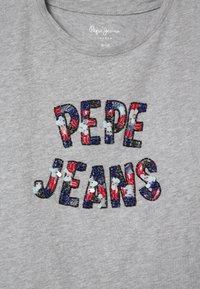 Pepe Jeans - COSMIC - Triko spotiskem - grey marl - 3