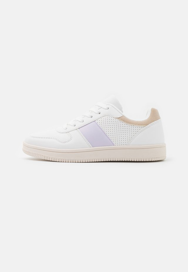 WIDE FIT ALBA RETRO - Trainers - white/lilac/taupe/multicolor