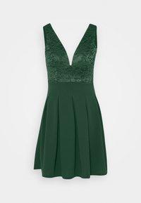 WAL G. - PLEATED SKATER DRESS - Žerzejové šaty - forest green - 5