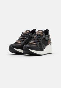 XTI - Zapatillas - black - 2