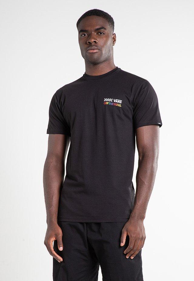 MN RAINBOW REPEAT - Camiseta estampada - black