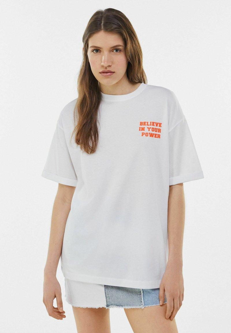 Bershka - Print T-shirt - white