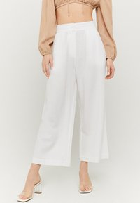 TALLY WEiJL - Trousers - white - 0