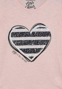 Lemon Beret - TEEN GIRLS  - Langærmede T-shirts - english rose - 3