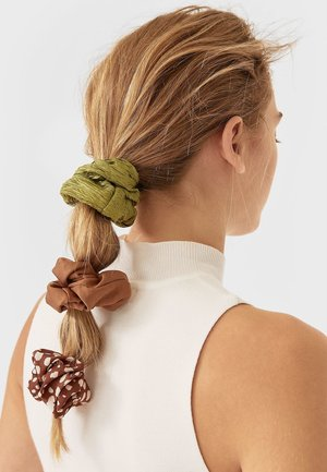 Hair styling accessory - brown