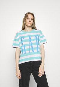 GAP - BOXY TEE - Print T-shirt - blue - 0