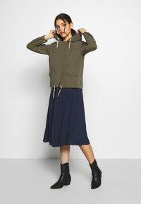 ONLY Petite - ONLNEW SKYLAR SPRING JACKET - Summer jacket - kalamata - 1