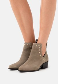 Copenhagen Shoes - OVER THE RAINBOW - Ankle boots - taupe - 0