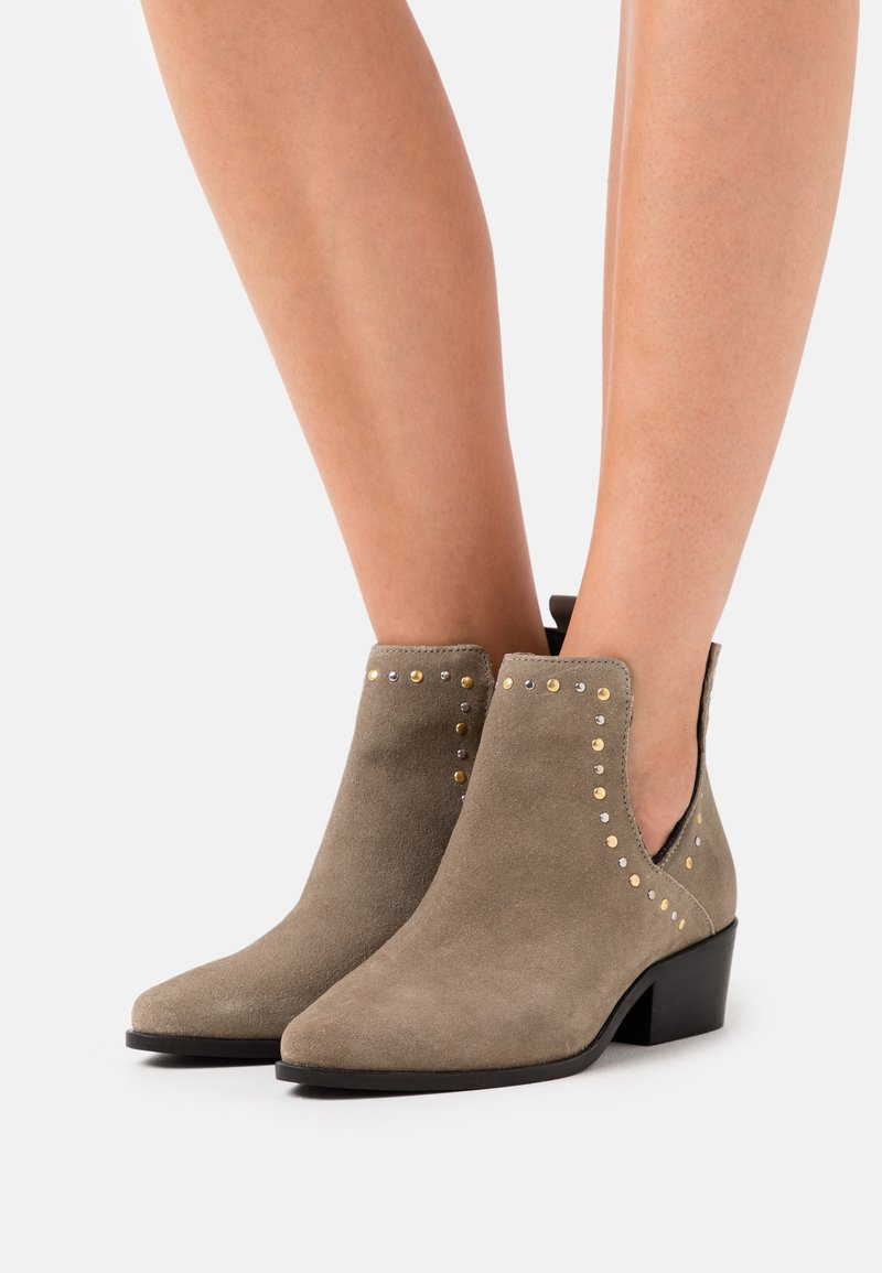 Copenhagen Shoes - OVER THE RAINBOW - Ankle boots - taupe