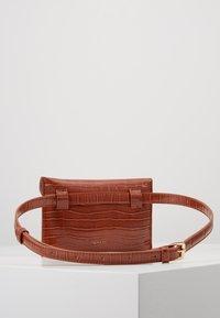 Inyati - IDA - Bum bag - brandy brown croco - 3