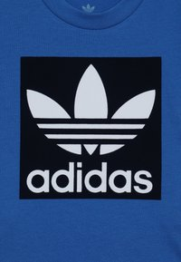 adidas Originals - SHORT TEE SET - Short - blue/collegiate navy/white - 5