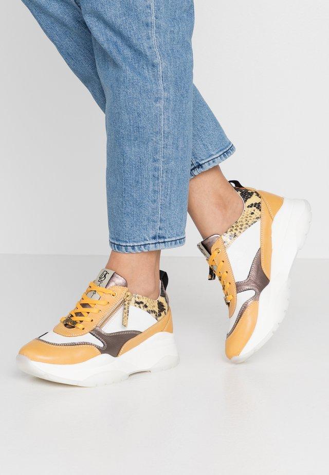 Sneakers basse - safran