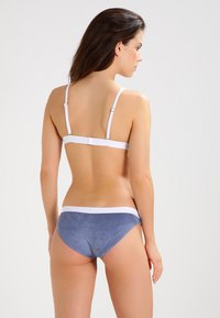 Undress Code - BE ADVENTUROUS - Slip - blue - 2