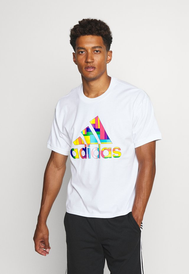 PRIDE SPORTS SHORT SLEEVE GRAPHIC TEE - Print T-shirt - white