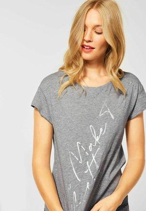 MIT FOLIEN  - Print T-shirt - grau