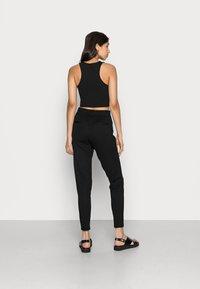 ONLY - POPTRASH EASY COLOUR PANT - Træningsbukser - black - 2
