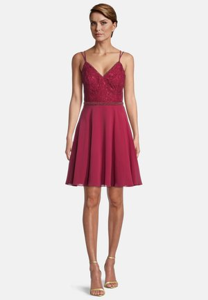 MIT SPITZE - Cocktail dress / Party dress - ruby red