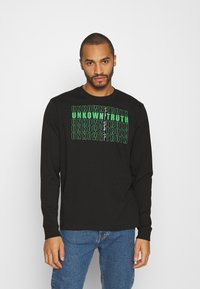 Urban Threads - FRONT AND BACK GRAPHIC LONG SLEEVE TEE UNISEX - Long sleeved top - black - 0