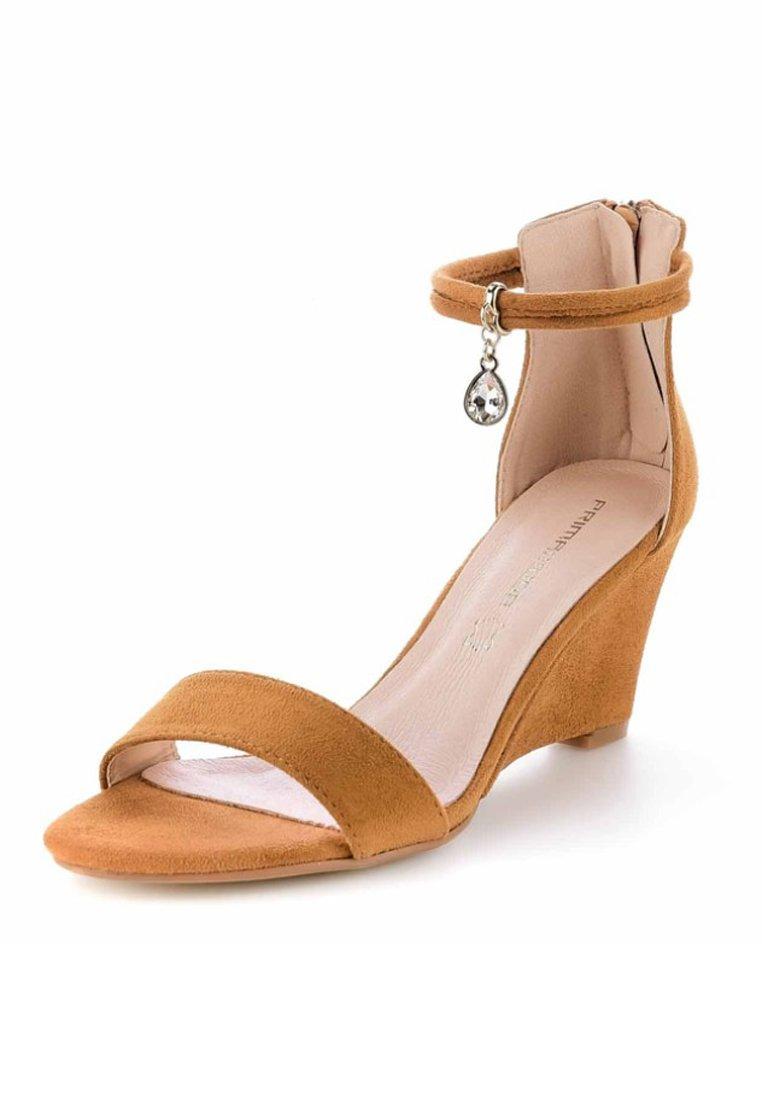 PRIMA MODA SAMLUCA - Keilsandalette - brown | Damen Schuhe 2020