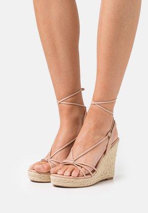 ONLAMELIA WRAP KNOT - Platform sandals - light pink