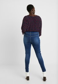 Missguided Plus - SINNER HIGH WAISTED SEAM DETAIL - Jeans Skinny Fit - blue - 2