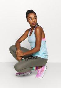 Nike Performance - ELASTKIA - Sports shirt - glacier ice/white - 1