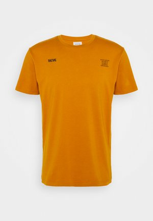 VOYAGES - Print T-shirt - orange