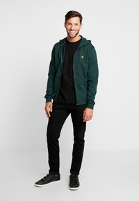 Lyle & Scott - Zip-up hoodie - jade green - 1