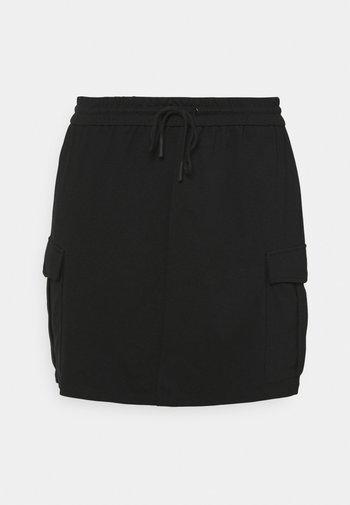 VMEVA SHORT CARGO SKIRT - Miniskjørt - black