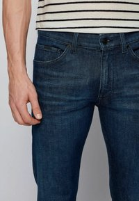 BOSS - TABER+ - Jeans Tapered Fit - dark blue - 3