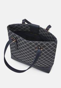 Lindex - BAG MIMMI - Shoppingveske - dark dusty blue - 3