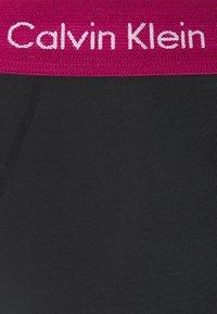 Calvin Klein Underwear - LOW RISE TRUNK 5 PACK - Pants - black - 7