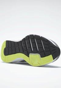 Reebok - REEBOK RUNNER 4.0 SHOES - Zapatillas de running estables - grey - 4