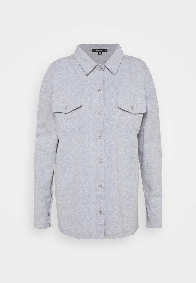 POCKET DETAIL - Button-down blouse - grey