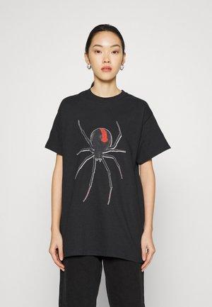 SPIDER TEE - Triko spotiskem - black