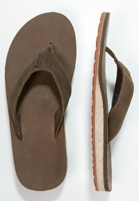 Teva - CLASSIC PREMIUM - Sandály s odděleným palcem - dark earth - 1