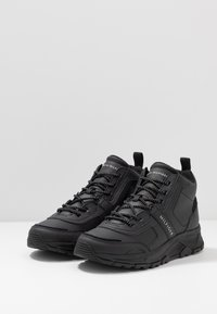 Tommy Hilfiger - FASHION WINTER - Höga sneakers - black - 2