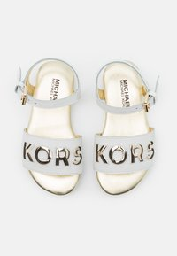 MICHAEL Michael Kors - PEEKSNEAK - Sandali - white/soft gold - 3