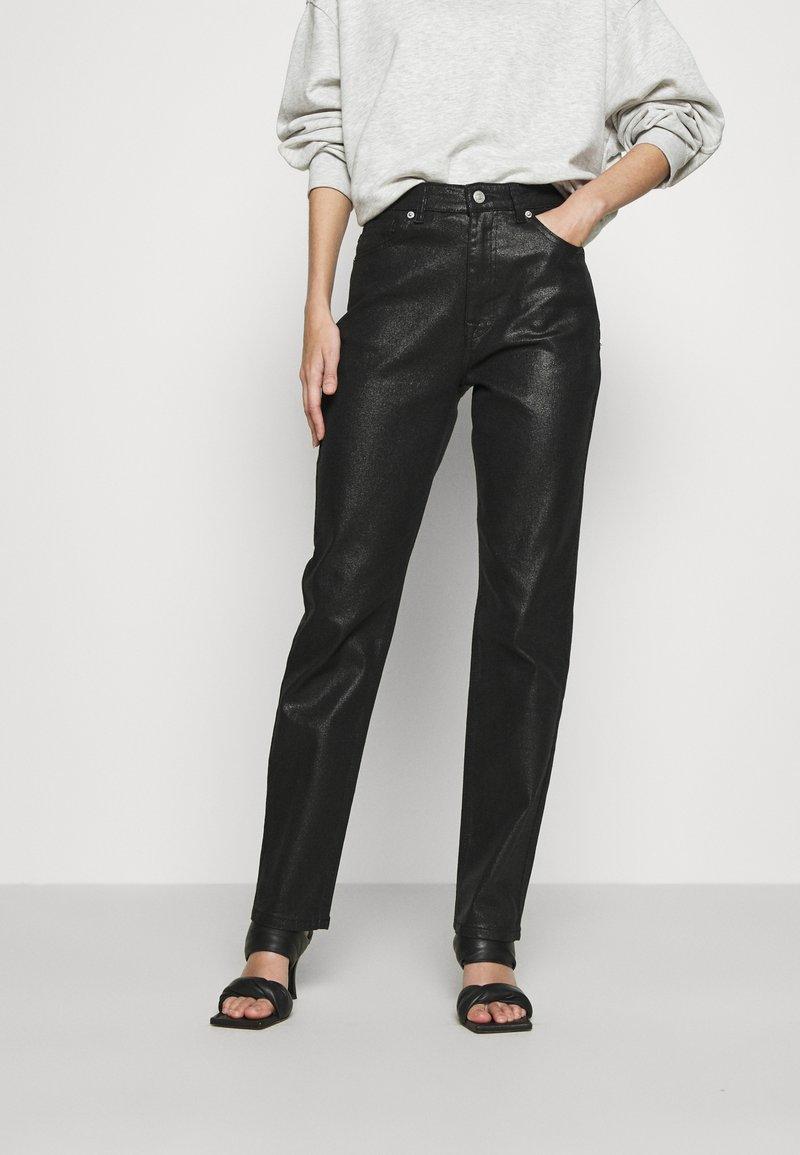 NA-KD - HIGH WAIST - Straight leg jeans - black