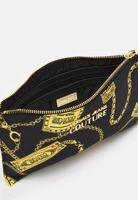 Versace Jeans Couture - Clutch - black - 3