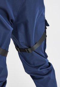 SIKSILK - COMBAT TECH CARGO PANTS - Pantalon cargo - navy - 3