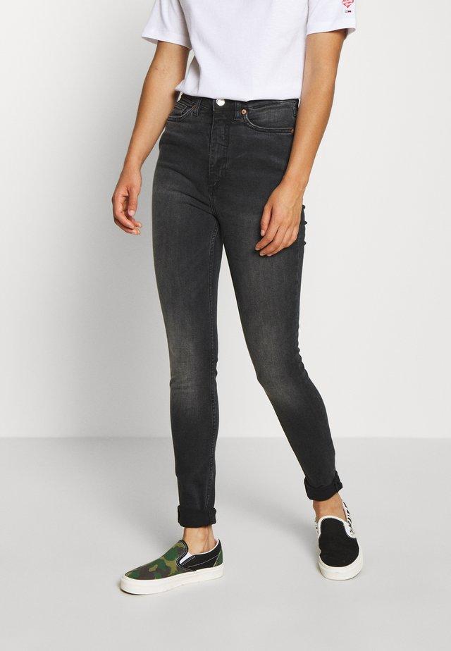 OKI WASHED - Skinny džíny - black dark