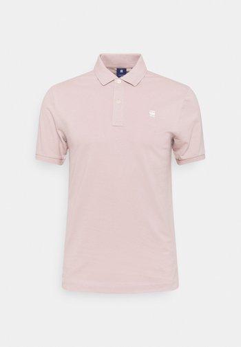 DUNDA SLIM POLO S\S - Polo - light pink