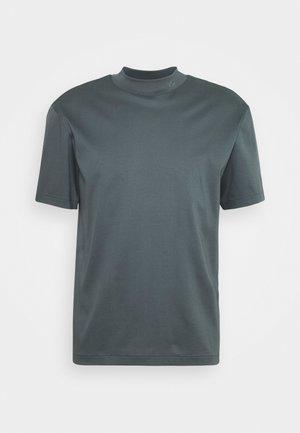 ACE MOCK NECK - Basic T-shirt - stormy blue