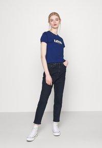 Levi's® - THE PERFECT TEE - Print T-shirt - estate blue - 1