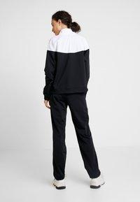 Nike Sportswear - TRACK SUIT SET - Hettejakke - black/white - 3