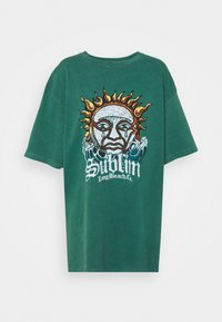 BDG Urban Outfitters - SUBLIME DAD TEE DRESS - Jersey dress - green - 3