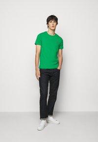 Polo Ralph Lauren - T-shirt basique - scarab green - 1