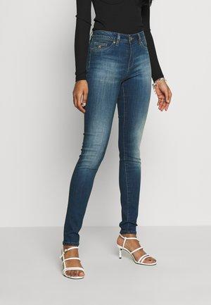 SOHERE - Skinny džíny - applej